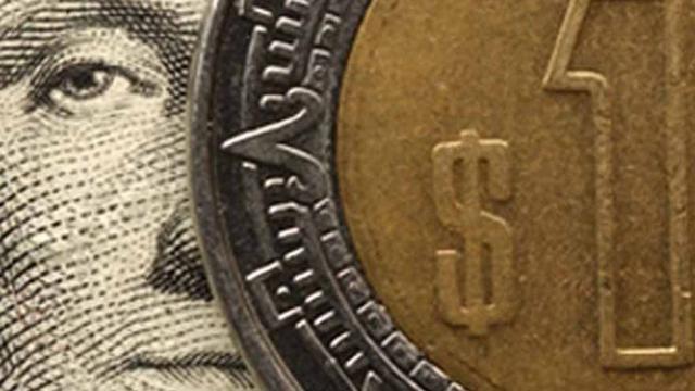 Peso mexicano pierde frente al dólar