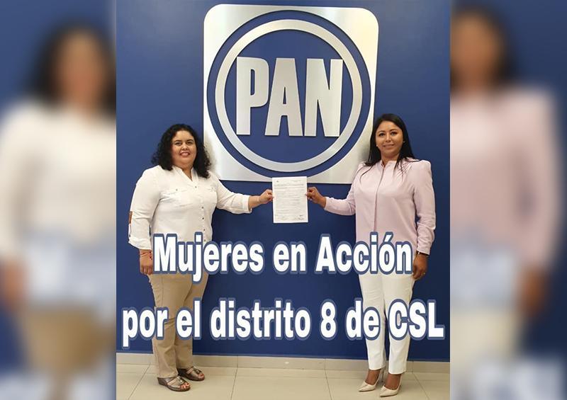 Mónica Zetina, resgristrándose como candidata por el PAN
