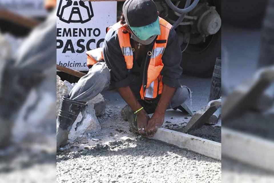 Continúa programa de bacheo con concreto hidráulico en CSL