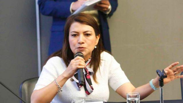 Senadores reconocen el trabajo legislativo de Lupita Saldaña