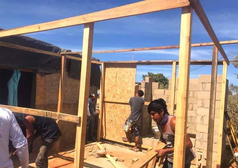 Reconstruyen vivienda de familia vulnerable en La Ballena