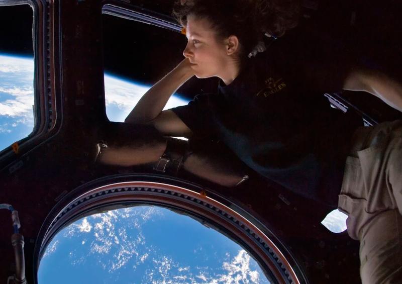 Cómo duermen, comen y viven los astronautas en el espacio