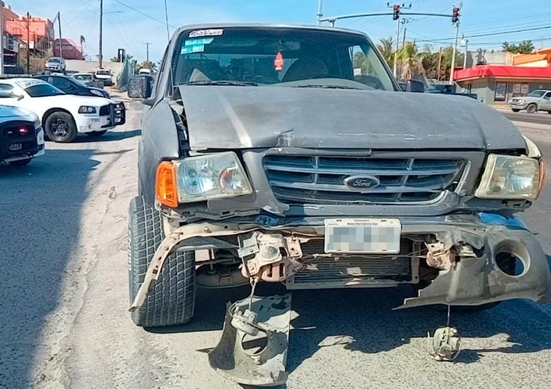 Aparatoso accidente en la colonia Guaymitas
