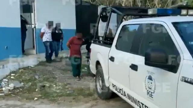 Policías detenidos por la muerte de una mujer en Tulum