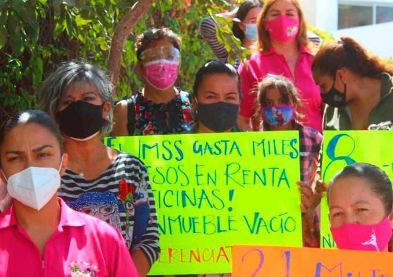 Trabajadoras de estancia infantil llevan ¡8 años en huelga!
