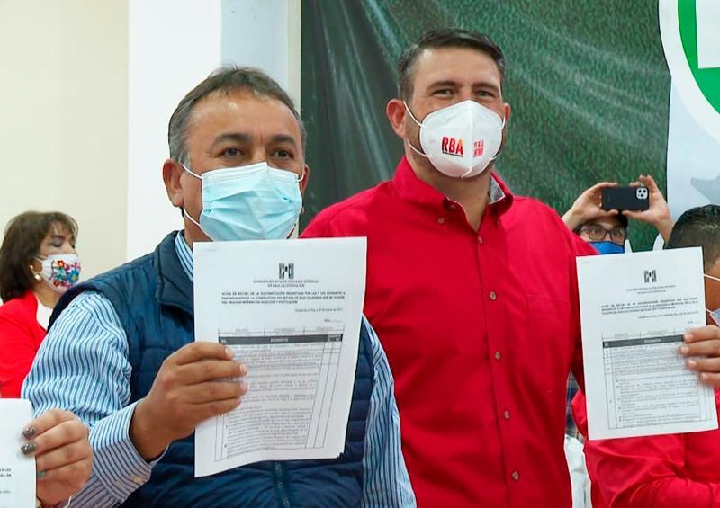 En la casa del priismo sudcaliforniano, se registran Pelayo y Barroso ante el PRI