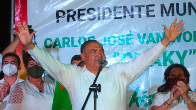 """""""Chaky"""" Van Wormer contra corruptos y mafia del agua en Los Cabos"""