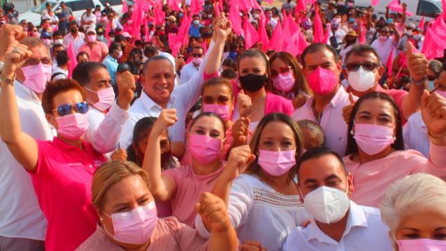 Ernesto Ibarra se registra por Fuerza México a la alcaldía cabeña