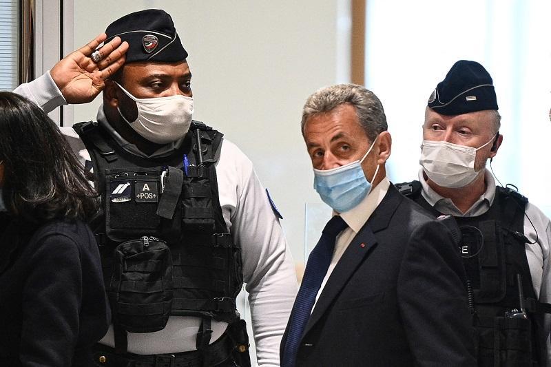 Expresidente francés condenado