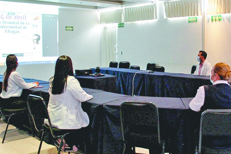 Capacitan a docentes de BCS para mejorar educación a distancia