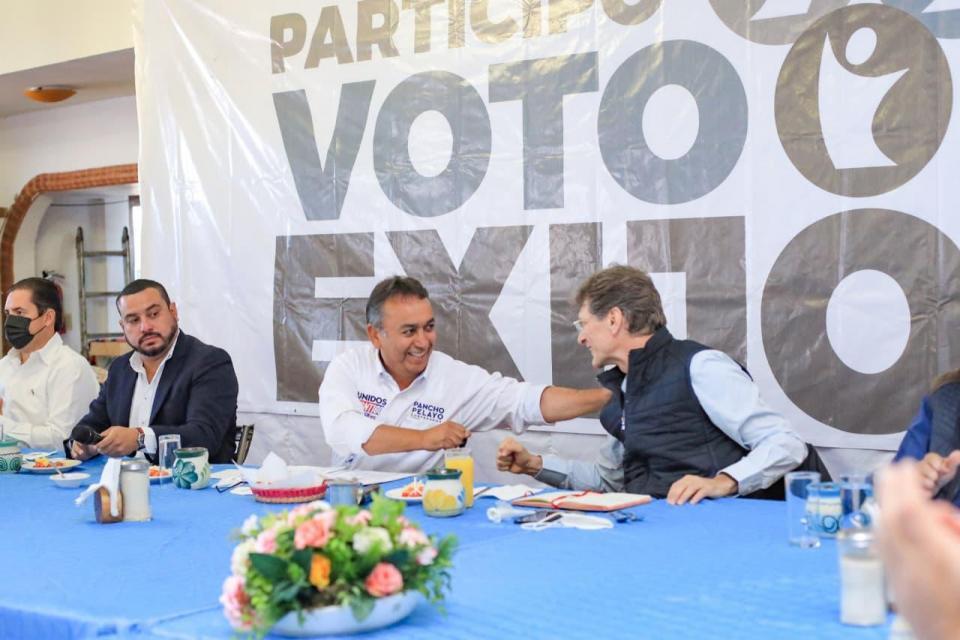 Enrique de la Madrid Cordero y Pancho Pelayo