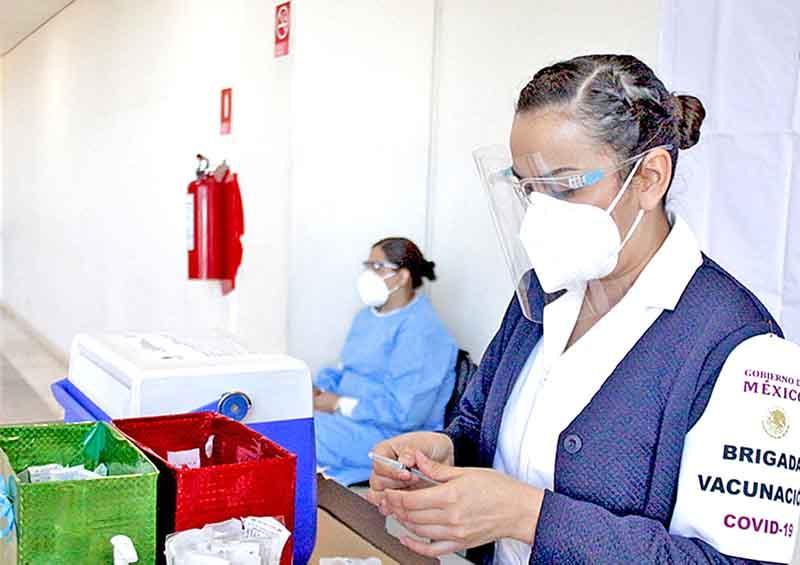 Insiste BCS se vacune contra Covid al personal médico privado