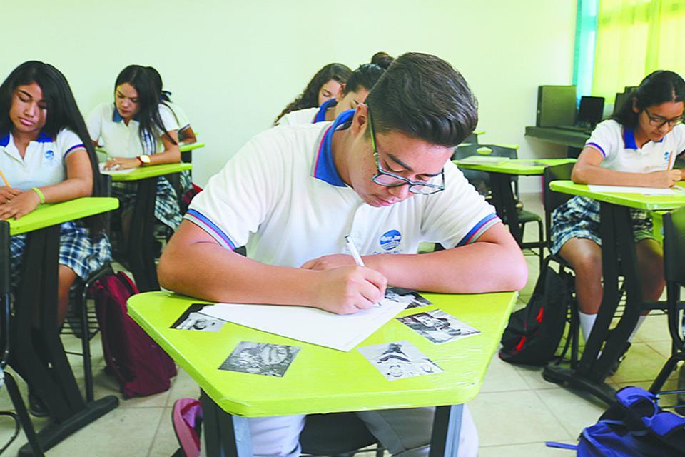 Examen en línea para  ingreso a bachillerato en BCS