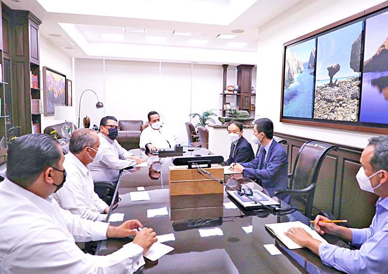Se reúne Gobernador con directivos de mina El Boleo