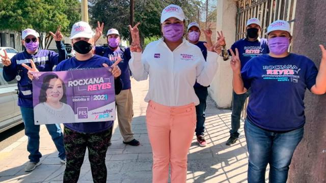 Inicia Rocxana Reyes su recorrido en la colonia Loma Linda