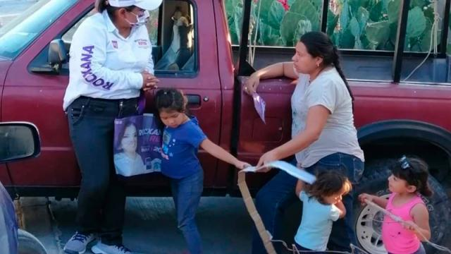 Vuelve Rocxana Reyes a la colonia Antonio Navarro Rubio