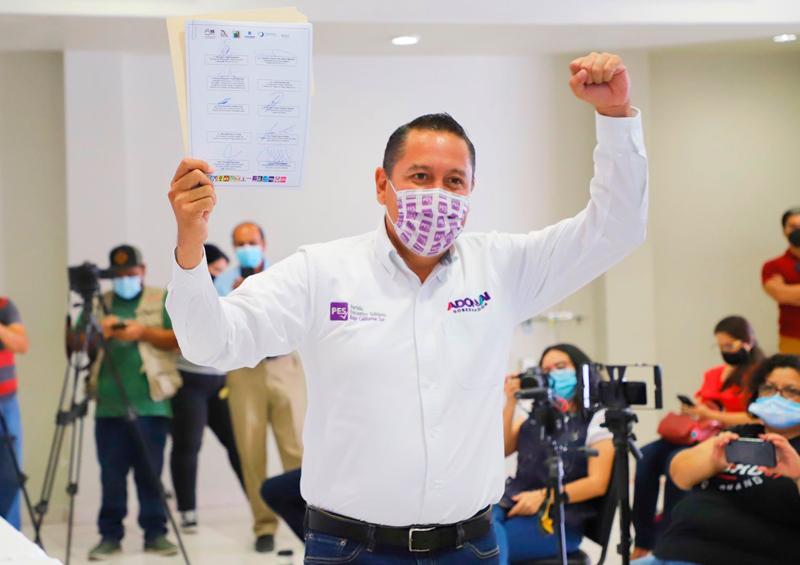 """Firma Adonai Carreón """"Pacto 3 de 3 por la Integridad de BCS"""""""