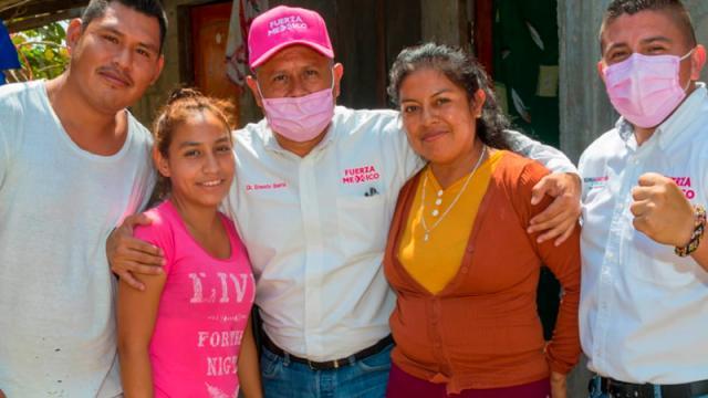 Continúan candidatos acompañando a Dr. Ibarra