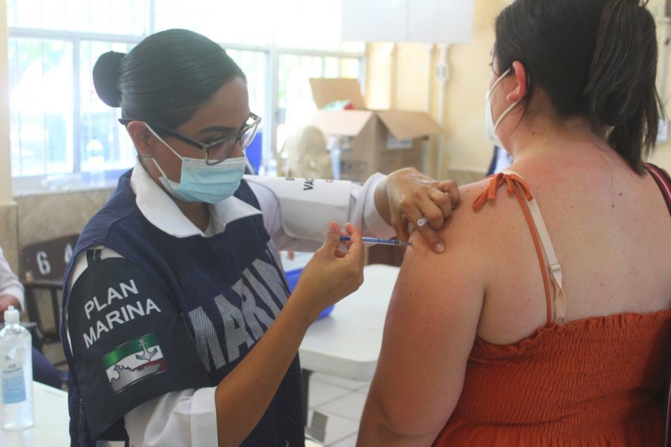5 mil docentes fueron inmunizados en Los Cabos