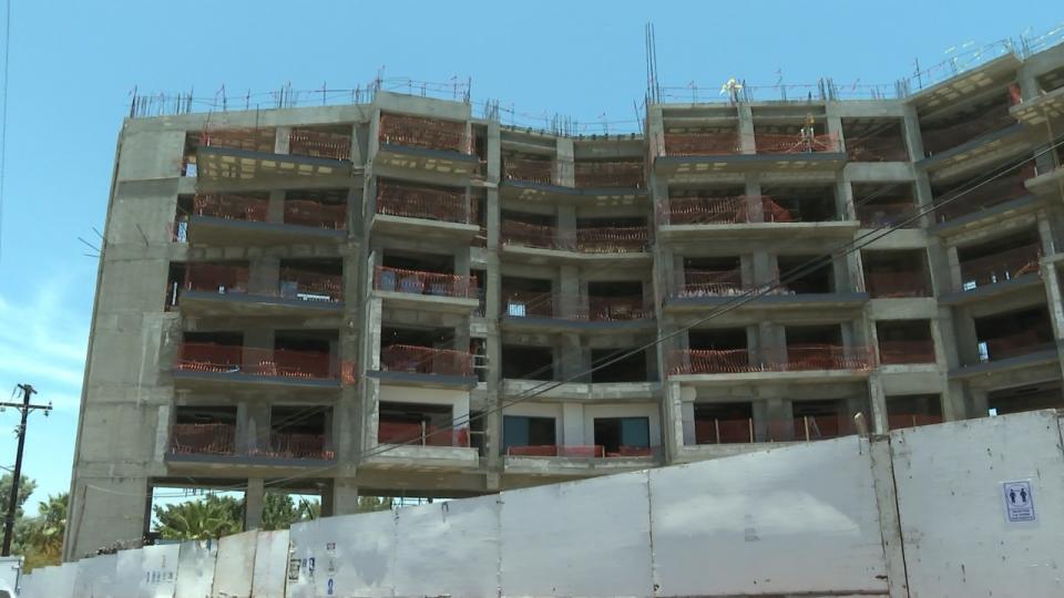 Construcción de hotel en el Médano opera con legalidad
