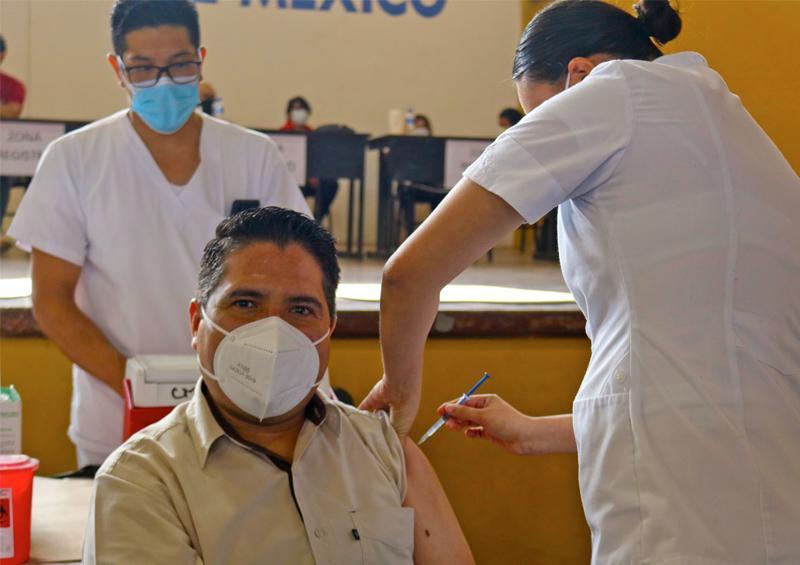 Inicia vacunación de personal educativo en BCS