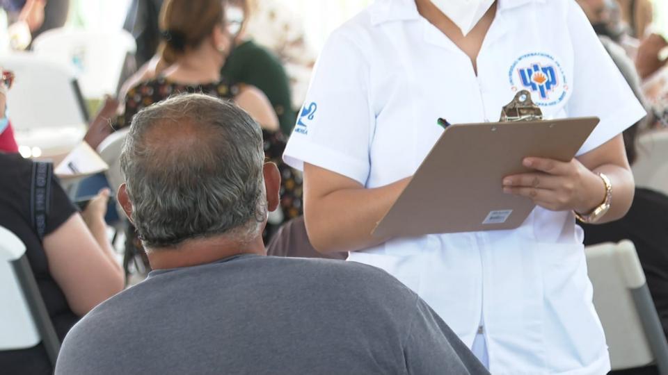 Vacunación adultos mayores en La Paz