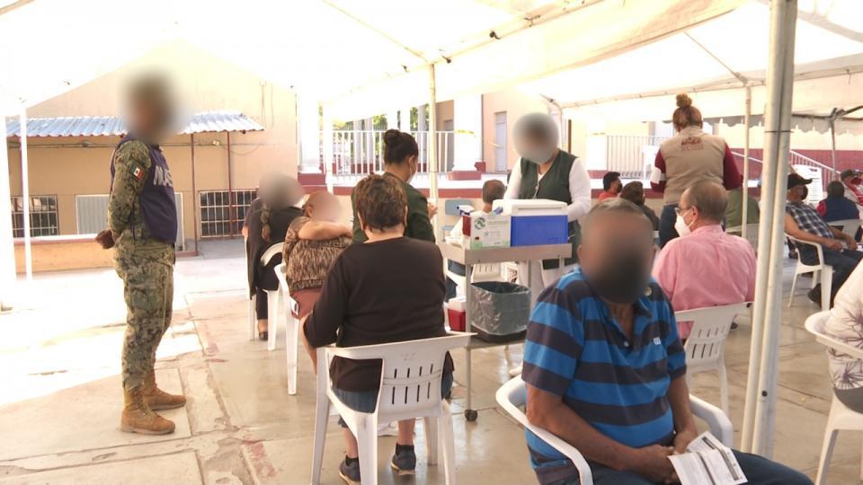 Vacunación contra covid-19 en La Paz