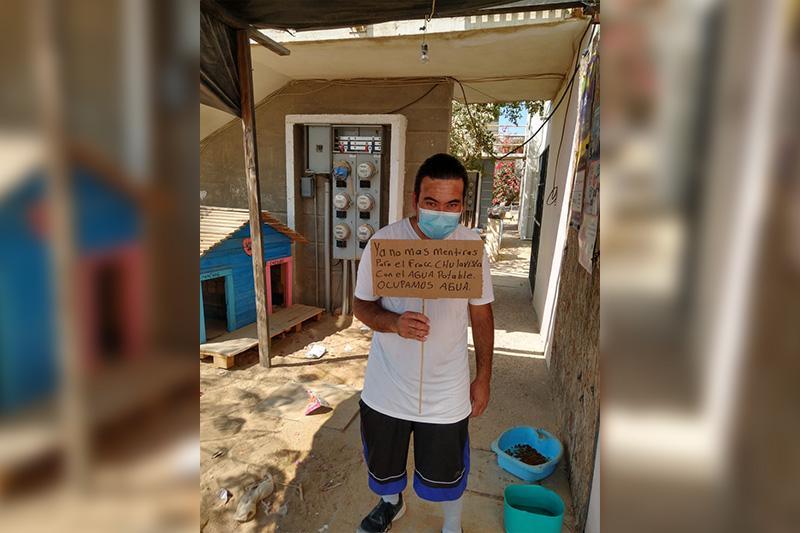 Vecinos de Chulavista exigiendo al Oomsapas agua potable