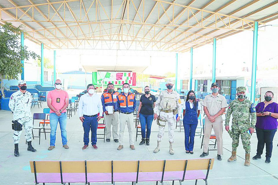 Autoridades recorren  refugios temporales de CSL