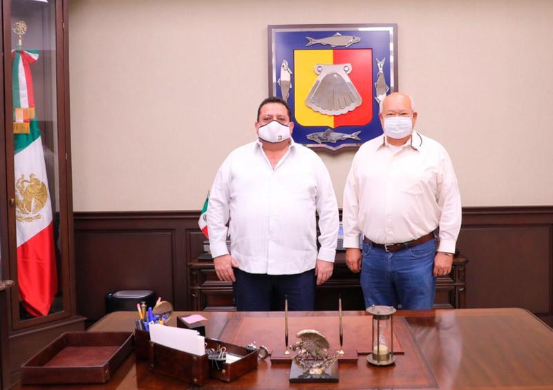 Carlos Mendoza se reúne con Víctor Castro