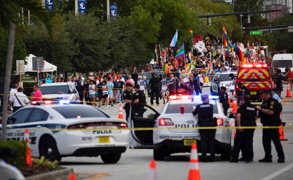 Camioneta atropella a miembros de comunidad LGBTTTI+