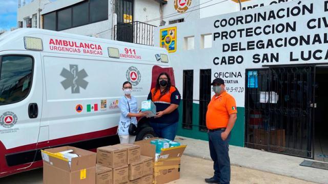 Asociación de Recursos Humanos entrega mascarillas y guantes a cuerpos de socorro y emergencia de Los Cabos
