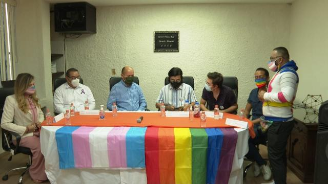 CEDH pide al gobernador publicar leyes a favor de la comunidad LGBT