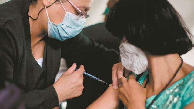 Se reportan 6 mil 228 nuevos contagios