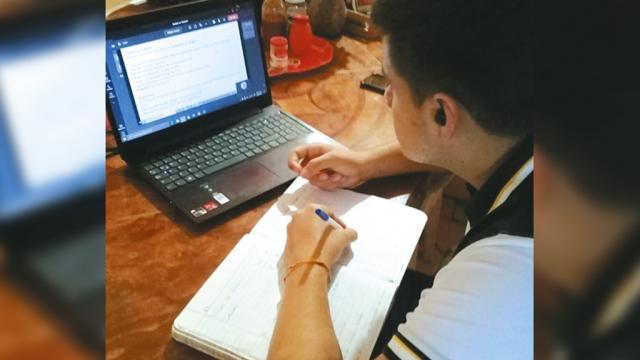 Egresan prepas más de 9 mil estudiantes en ciclo 2020-2021