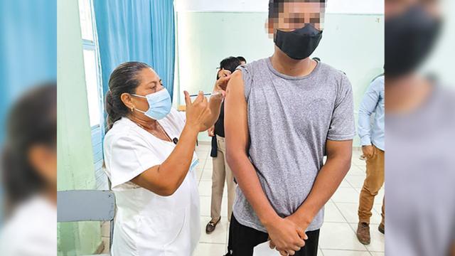 Continúa BCS con cobertura de vacunación contra Covid-19